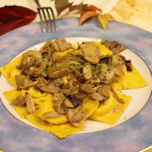 Tortelli di patate con funghi porcini
